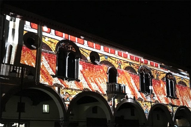 NATALE/ Ravenna in Luce, video mapping in piazza del Popolo